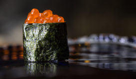Gunkan-maki Kaviar Tobico